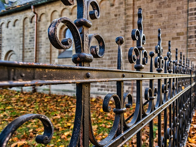 How to Enhance Your Home's Beauty with a Decorative Railing System