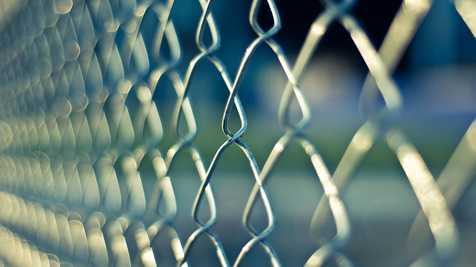 Find And Install The Perfect HOA Approved Fence